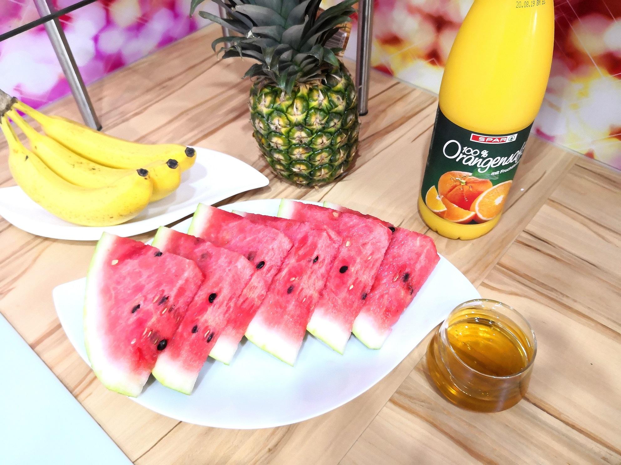 Ledeni poletni smoothie z lubenico