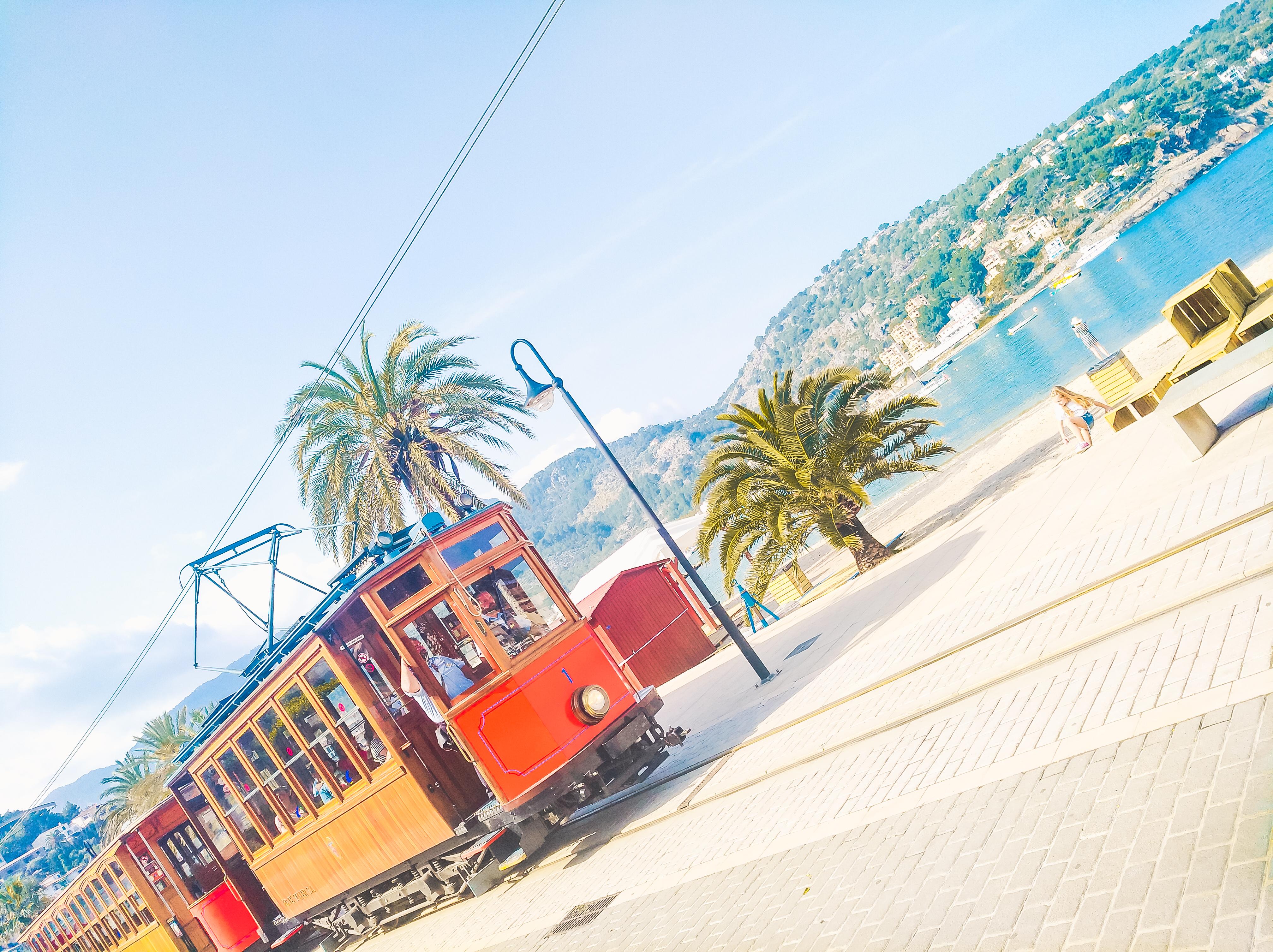 Port de Soller Vintage train